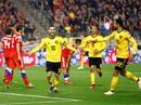 """""""Người nhện"""" Courtois tặng quà, Hazard đòi lại 3 điểm cho Bỉ"""