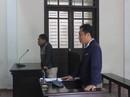 Tát nữ cán bộ tòa án, nam bác sĩ lãnh 6 tháng tù