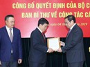 Trao các quyết định của Bộ Chính trị về công tác nhân sự