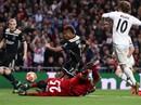 Địa chấn Champions League: Real Madrid thua muối mặt Ajax