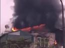 Giải cứu 9 người trong đám cháy lớn bùng phát nhanh ở Hà Nội