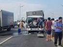 Kinh hãi xe tải cắm đầu vào xe phía trước, cabin tan nát, 3 người thương vong