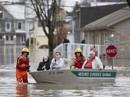 Canada hứng lũ lụt nặng chưa từng thấy