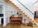 Tận dụng không gian tuyệt vời dưới chân cầu thang