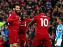 """3 """"cú đúp"""" gây sốc đưa Liverpool lên ngôi đầu giải Ngoại hạng Anh"""