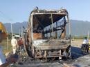 Ôtô giường nằm cháy trơ khung trên Quốc lộ 1