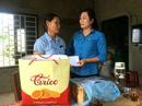 Quảng Trị: Tặng quà gia đình công nhân bị tai nạn lao động