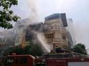 Nghe tiếng nổ trong vụ cháy cửa hàng gas, cả khu phố náo loạn