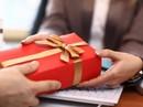 """Cán bộ nhận quà tặng do """"không từ chối được"""", phải tổ chức bán công khai nộp ngân sách"""