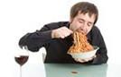 2 sai lầm nguy hiểm khi ăn trưa có thể bạn cũng mắc phải
