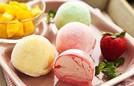 Trổ tài làm bánh mochi kem lạnh Nhật Bản ngày nắng nóng