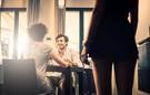 Xử lý thế nào khi bắt quả tang chồng 'ăn vụng'?