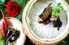 Thơm lừng cơm lịch nướng trái dừa