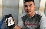 Chồng đỡ đẻ cho vợ ngay trên xe ở Sài Gòn