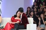 Lâm Vỹ Dạ khóc nức nở trên truyền hình khi chồng xin lỗi