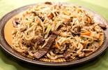 Người Mông Cổ nấu mì Tsuivan bằng đá nóng như thế nào?