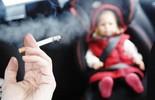 Nỗi khổ tâm của những bà vợ có chồng nghiện thuốc lá
