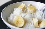 Có một thời tuổi thơ ăn cơm với đường, tóp mỡ và cả hoa quả, có ai đã từng?