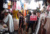 Công nhân rục rịch mua sắm Tết