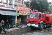 Cháy công ty may, một phụ nữ được giải cứu
