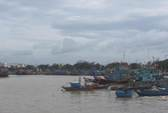 Vụ chìm tàu ngoài biển: Cứu được 10 ngư dân, còn 9 người mất tích