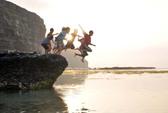 Đi câu cá, 2 học sinh ngã xuống đập nước chết đuối