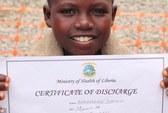 Cậu bé mắc Ebola thoát chết kỳ diệu
