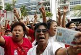 """""""Áo đỏ"""" Thái Lan xuống đường bảo vệ chính phủ"""