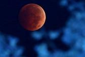 """Cận cảnh nguyệt thực """"trăng máu"""" trên khắp thế giới"""