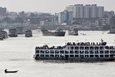 Bangladesh: Phà chở 200 khách lật trên sông