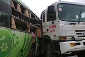 Xe khách tông xe ben, 1 người chết, 19 người bị thương