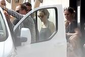 Angelina Jolie và Brad Pitt tranh thủ đưa con đi chơi