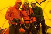 Đưa cảnh sát lên đỉnh Everest
