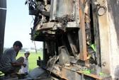 Xe container đột ngột bốc cháy trên quốc lộ