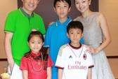 Vợ Trương Nghệ Mưu khoe ảnh cả gia đình