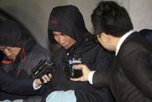 Vụ chìm tàu Hàn Quốc: Thợ lặn thấy thi thể trôi trong tàu