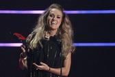 Carrie Underwood lại lên ngôi giải CMT