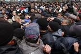 Ukraine: Cuộc xung đột đầu tiên nổ ra ở Crimea