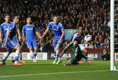 """""""Người đặc biệt"""" Mourinho nếm mùi thất bại ở Villa Park"""