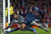 Mất thủ môn, Arsenal gục ngã trước Bayern Munich