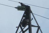 Bàng hoàng phát hiện thi thể nam giới cháy đen trên cột điện cao thế