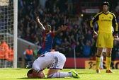 Arsenal cầm chân Man City, Chelsea thua đau Crystal Palace
