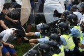 Cảnh sát Hồng Kông xịt hơi cay giải tán người biểu tình
