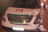 Xe cứu thương phóng nhanh tông xe máy, 3 người nguy kịch