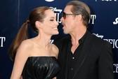 Angelina Jolie đẹp rạng rỡ bên Brad Pitt