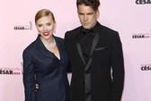 """""""Bà bầu"""" Scarlett Johansson chuẩn bị cưới"""