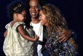 Beyonce bật khóc trên sân khấu bên chồng, con