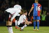 """""""Sát thủ"""" Dwight Gayle dập tắt giấc mơ vô địch của Liverpool"""