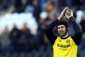 Petr Cech đi vào lịch sử Chelsea