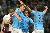 Đè bẹp Villa 4-0, Man City chạm tay vào ngôi vương